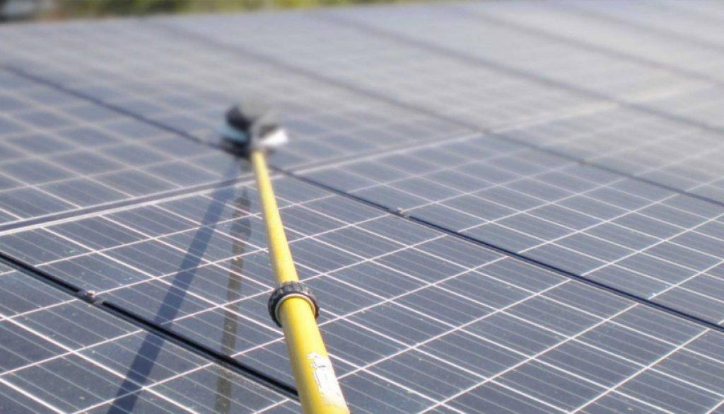 zonnepanelen-schoonmaken-groningen